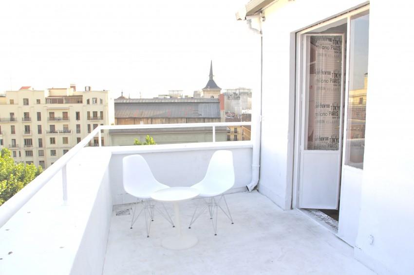 Hotel en gran v a de madrid for Alojamiento madrid centro