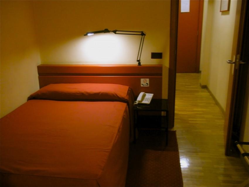Hoteles con encanto madrid anaco hotel for Hoteles vanguardistas en madrid