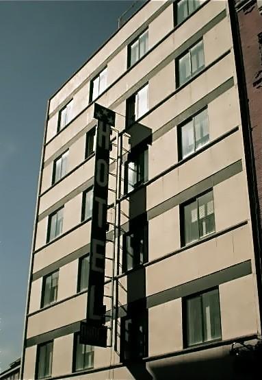Hoteles econ micos madrid hotel anaco for Hoteles bonitos madrid